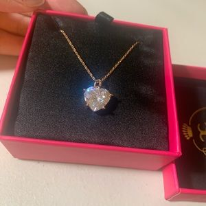 JUICY COUTURE Crystal Heart Necklace Rose Gold.